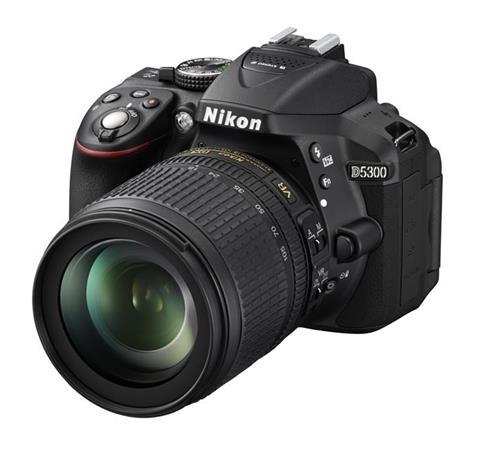 NIKON D5300 + 18-105 AF-S DX VR - VBA370K004