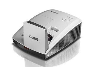BenQ DLP Projektor MW853UST+/WXGA/3200 ANSI/10000:1/LAN/HDMI/3D/2x10W repro/držák na stěnu - 9H.J8L77.26E